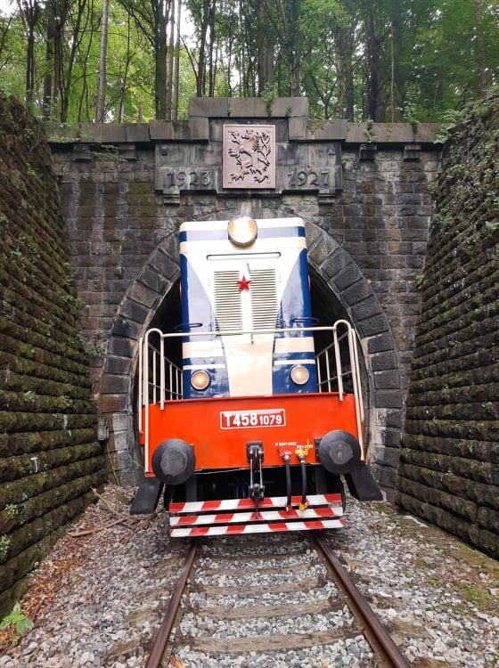 Historickým vlakom po myjavskej trati
